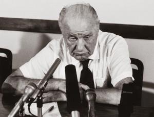 Kádár János (1956-1988-ig vezette az országot)