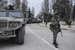 Katonai járműkonvoj a Krímben